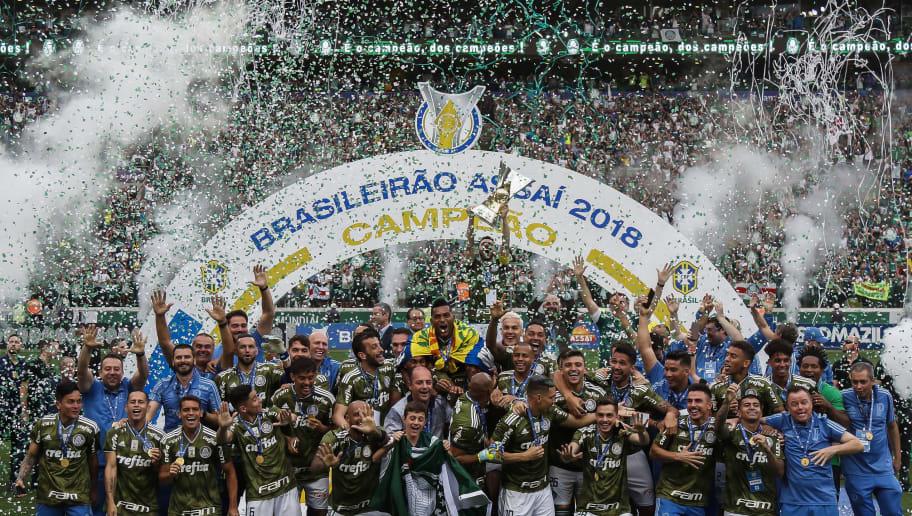 Clubes podem fechar contrato bilionário para transmissão do Brasileirão no exterior