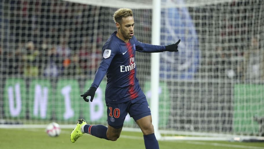 PARIS, FRANCE - NOVEMBER 2: Neymar Jr of PSG celebrates his goal during the french Ligue 1 match between Paris Saint-Germain (PSG) and Lille OSC (LOSC) at Parc des Princes stadium on November 2, 2018 in Paris, France. (Photo by Jean Catuffe/Getty Images)