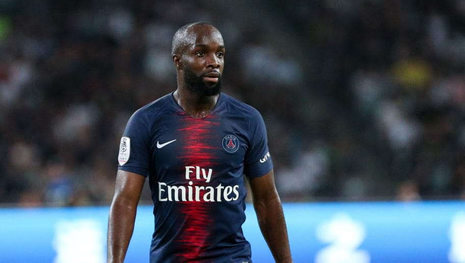 SHENZHEN, CHINA - AUGUST 04:  #25 Lassana Diarra of Paris Saint-Germain in action during the French Trophy of Champions football match between AS Monaco and Paris Saint-Germain at Shenzhen Longgang Sports Center on August 4, 2018 in Shenzhen, China.  (Photo by Zhong Zhi/Getty Images)