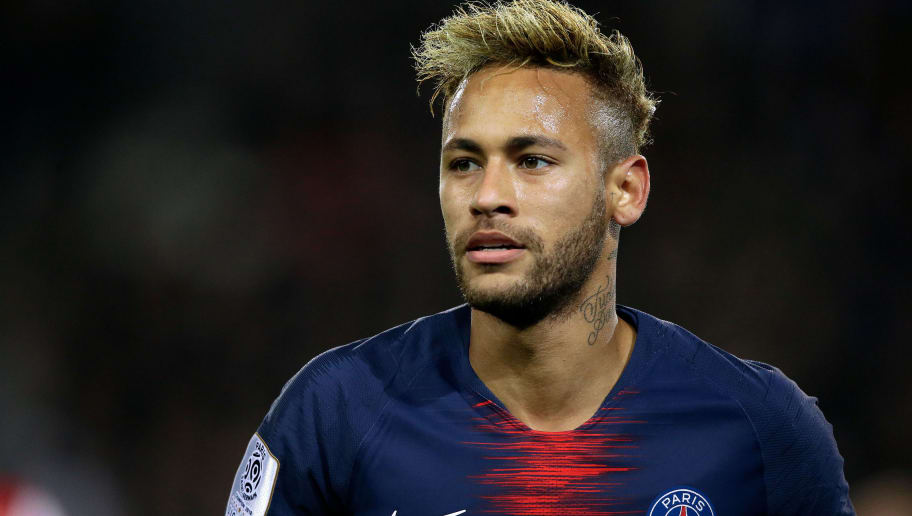 PARIS, FRANCE - OCTOBER 7: Neymar Jr of Paris Saint Germain during the French League 1  match between Paris Saint Germain v Olympique Lyon at the Parc des Princes on October 7, 2018 in Paris France (Photo by Jeroen Meuwsen/Soccrates/Getty Images)