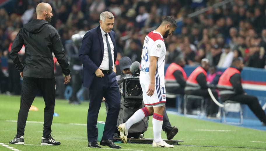 PARIS, FRANCE - OCTOBER 07: Nabil Fekir of Lyon hurts his ankle and is forced to go out depressed eyes of head coach Bruno Genesio during the French Ligue 1 match between Paris Saint Germain and Olympique Lyon on October 07, 2018 in Paris, France.  (Photo by Xavier Laine/Getty Images)