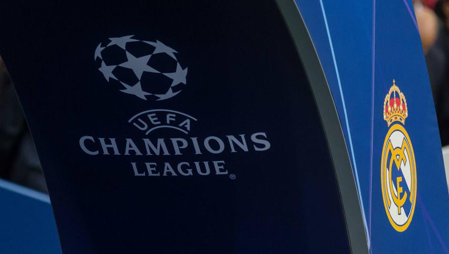 Paris und UEFA Champions League Logo