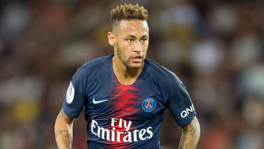 PARIS, FRANCE - AUGUST 12: Neymar of Paris St. Germain controls the ball during the Ligue 1 match between Paris Saint-Germain and SM Caen at Parc des Princes on August 12, 2018 in Paris, France. (Photo by TF-Images/Getty Images)