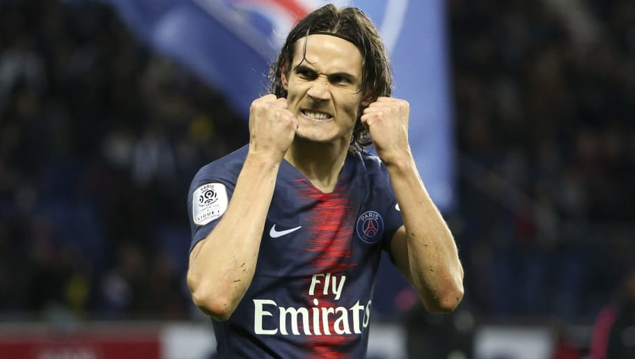 PARIS, FRANCE - NOVEMBER 24: Edinson Cavani of PSG celebrates his goal during the french Ligue 1 match between Paris Saint-Germain (PSG) and Toulouse FC (TFC) at Parc des Princes stadium on November 24, 2018 in Paris, France. (Photo by Jean Catuffe/Getty Images)