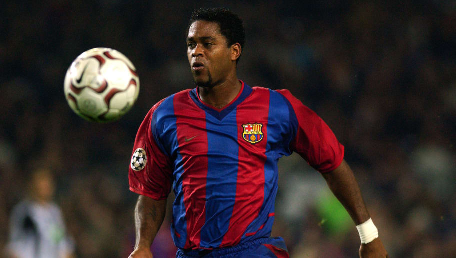 Patrick Kluivert of Barcelona chasing the ball