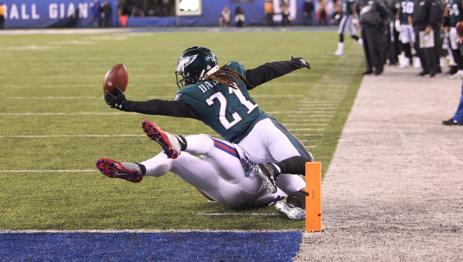 EAST RUTHERFORD, NJ - OCTOBER 11: Ronald Darby #21 of the Philadelphia Eagles breaks up a pass in action against the New York Giants on October 11, 2018 at MetLife Stadium in East Rutherford, New Jersey. (Photo by Al Pereira/ Getty Images)