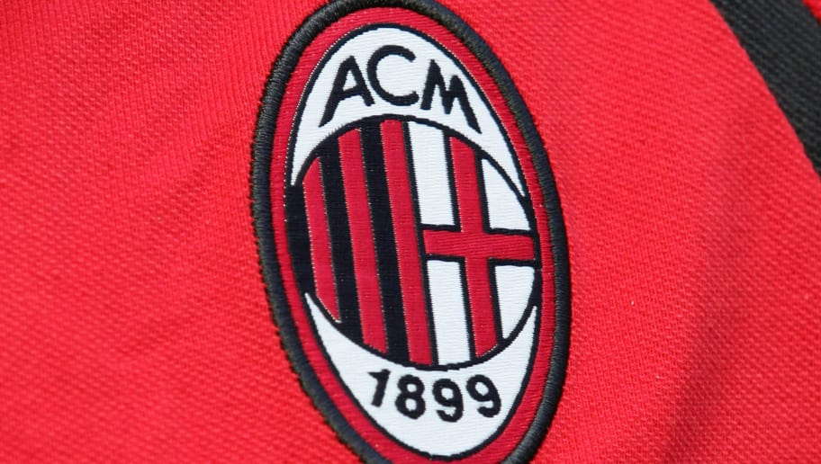 Milan, ITALY:  Picture taken 10 september 2006 in Milan of the AC Milan' logo before their Serie A football match AC Milan vs Lazio. AFP PHOTO / PACO SERINELLI  (Photo credit should read PACO SERINELLI/AFP/Getty Images)