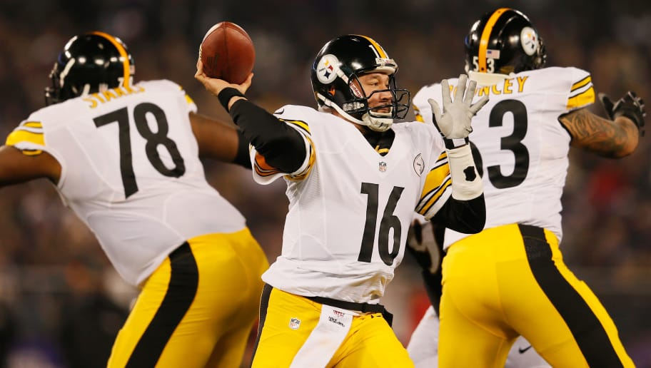 BALTIMORE, MD - DECEMBER 02:  Quarterback Charlie Batch #16 of the Pittsburgh Steelers throws a second quarter pass against the Baltimore Ravens at M&T Bank Stadium on December 2, 2012 in Baltimore, Maryland.  (Photo by Rob Carr/Getty Images)