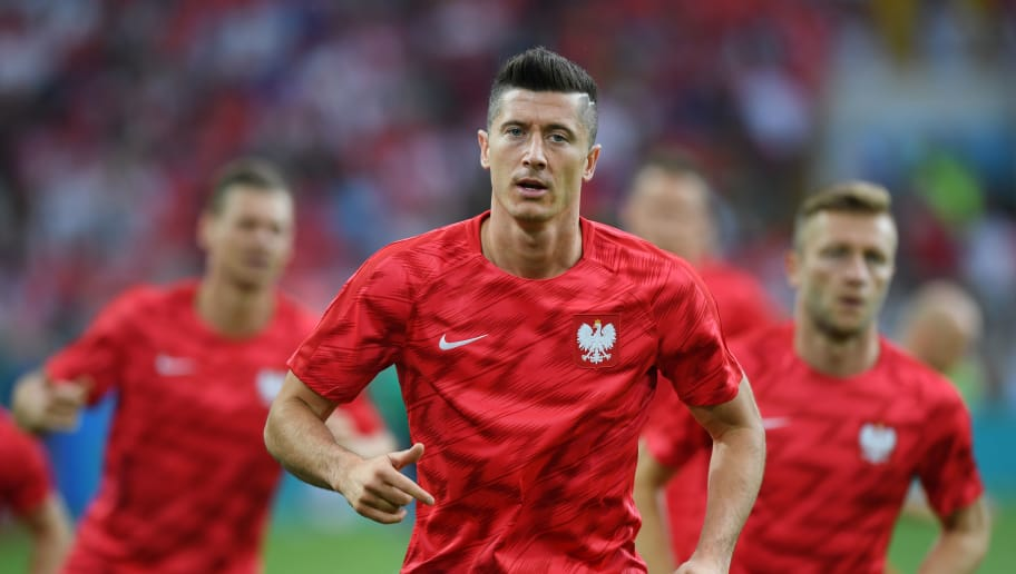 MOSCOW, RUSSIA - JUNE 19:  Robert Lewandowski of Poland wamrs up prior to the 2018 FIFA World Cup Russia group H match between Poland and Senegal at Spartak Stadium on June 19, 2018 in Moscow, Russia.  (Photo by Shaun Botterill/Getty Images)