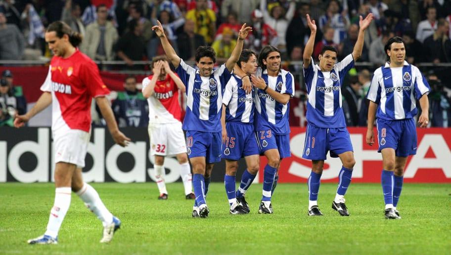 Porto players celebrate after midfielder