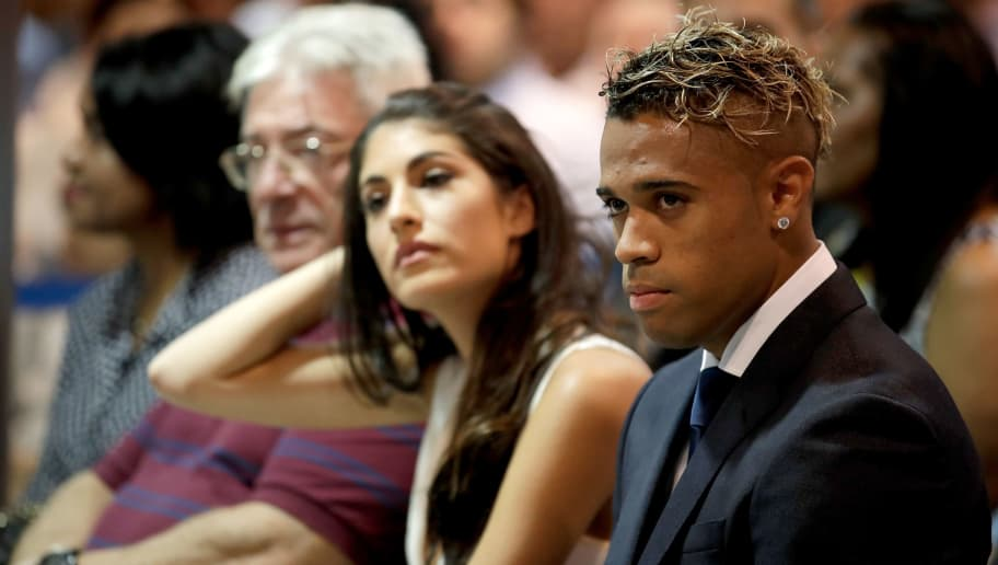 MADRID, SPAIN - AUGUST 31: presentation Mariano Diaz of Real Madrid during the   Presentation Mariano Diaz of Real Madrid at the Santiago Bernabeu on August 31, 2018 in Madrid Spain (Photo by David S. Bustamante/Soccrates/Getty Images)