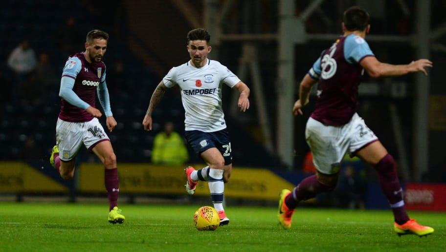PRESTON, ENGLAND - NOVEMBER 01: Sean Maguire of Preston North End in action during the Sky Bet Championship match between Preston North End and Aston Villa at Deepdale on November 1, 2017 in Preston, England. (Photo by Nathan Stirk/Getty Images)
