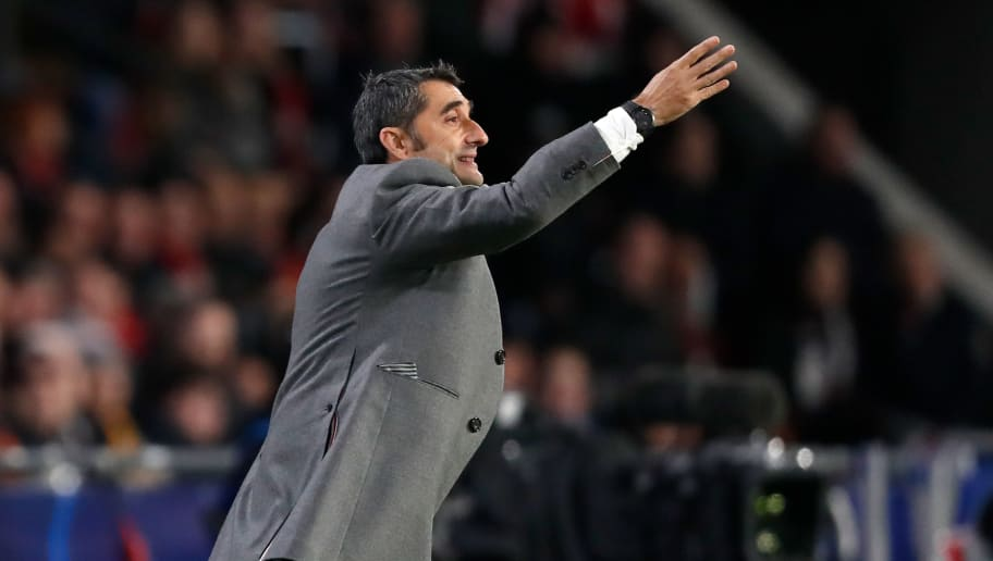 EINDHOVEN, NETHERLANDS - NOVEMBER 28: coach Ernesto Valverde of FC Barcelona during the UEFA Champions League  match between PSV v FC Barcelona at the Philips Stadium on November 28, 2018 in Eindhoven Netherlands (Photo by Edwin van Zandvoort/Soccrates/Getty Images)