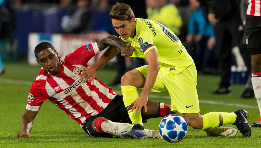 EINDHOVEN, NETHERLANDS - NOVEMBER 28: Pablo Rosario of PSV Eindhoven and Denis Suarez of Barcelona battle for the ball during the Group B match of the UEFA Champions League between PSV and FC Barcelona at Philips Stadion on November 28, 2018 in Eindhoven, Netherlands. (Photo by TF-Images/TF-Images via Getty Images)