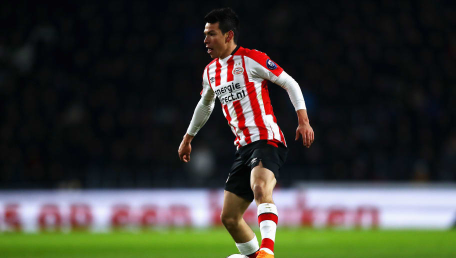 EINDHOVEN, NETHERLANDS - MARCH 17:  Hirving Lozano of PSV in action during the Dutch Eredivisie match between PSV Eindhoven and VVV Venlo held at Philips Stadion on March 17, 2018 in Eindhoven, Netherlands.  (Photo by Dean Mouhtaropoulos/Getty Images)