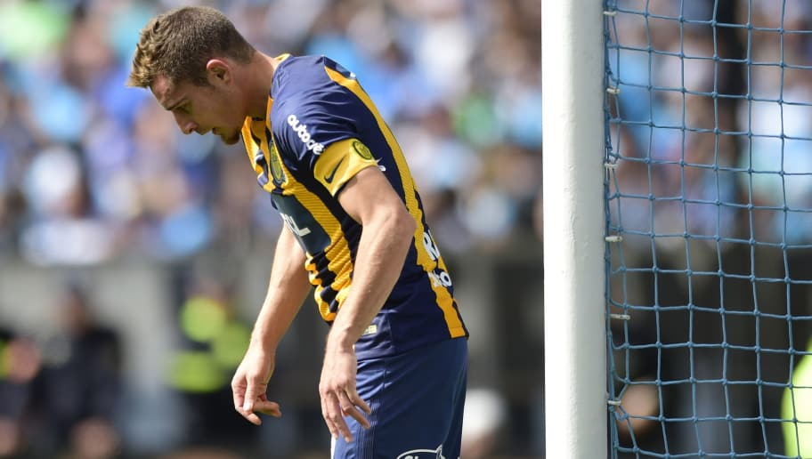 BUENOS AIRES, ARGENTINA - SEPTEMBER 02: Marco Ruben of Rosario Central reacts during a match between Racing and Rosario Central as part of Superliga 2018/19 at Presidente Peron Stadium on September 2, 2018 in Buenos Aires, Argentina. (Photo by Gustavo Garello/Jam Media/Getty Images)