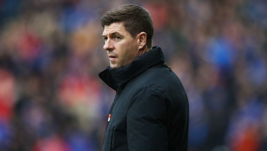 GLASGOW, SCOTLAND - NOVEMBER 11: Rangers manager Steven Gerrard looks on during the Ladbrokes Scottish Premiership match between Rangers and Motherwell at Ibrox Stadium on November 11, 2018 in Glasgow, Scotland. (Photo by Ian MacNicol/Getty Images)