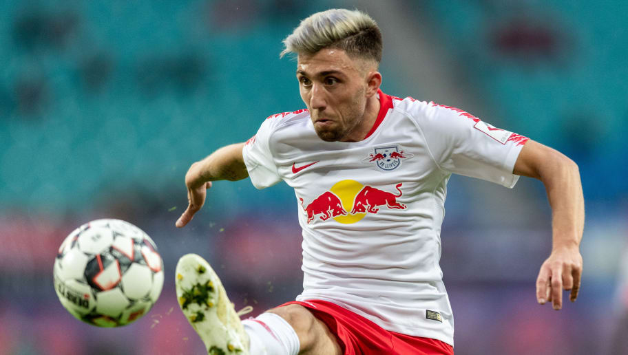 LEIPZIG, GERMANY - OCTOBER 07: Kevin Kampl of RB Leipzig controls the ball during the Bundesliga match between RB Leipzig and 1. FC Nuernberg at Red Bull Arena on October 7, 2018 in Leipzig, Germany.  (Photo by Boris Streubel/Bongarts/Getty Images)