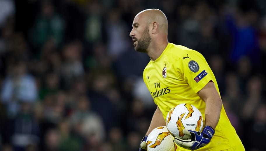 SEVILLE, SPAIN - NOVEMBER 08:  Jose Reina of AC Milan in action during the UEFA Europa League Group F match between Real Betis and AC Milan at Estadio Benito Villamarin on November 8, 2018 in Seville, Spain. (Photo by Quality Sport Images/Getty Images)