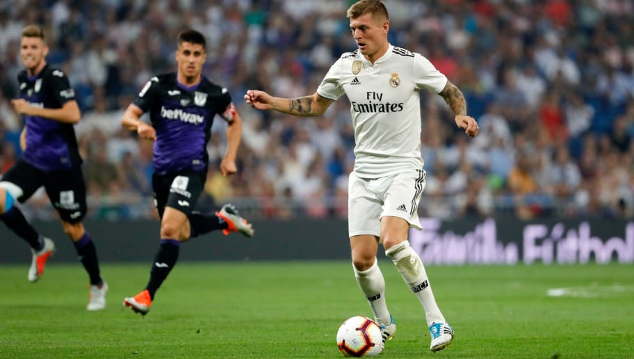 MADRID, SPAIN - SEPTEMBER 01: Toni Kroos of Real Madrid  controls the ball  during the La Liga match between Real Madrid CF and CD Leganes at Estadio Santiago Bernabeu on September 1, 2018 in Madrid, Spain.