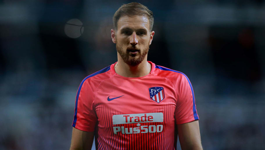 MADRID, SPAIN - SEPTEMBER 29: Goalkeeper Jan Oblak of Atletico de Madrid in action during his warmi up before the La Liga match between Real Madrid CF and  Club Atletico de Madrid at Estadio Santiago Bernabeu on September 29, 2018 in Madrid, Spain. (Photo by Gonzalo Arroyo Moreno/Getty Images) +++ Local caption *** Jan Oblak