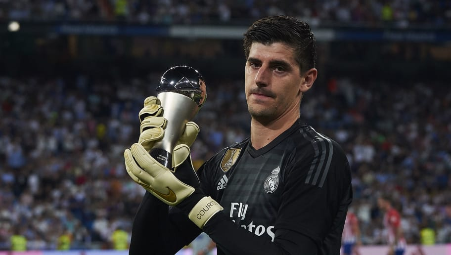 MADRID, SPAIN - SEPTEMBER 29:  Thibaut Courtois of Real Madrid poses for a photo with his The Best FIFA Goalkeeper Award prior to the La Liga match between Real Madrid CF and Club Atletico de Madrid at Estadio Santiago Bernabeu on September 29, 2018 in Madrid, Spain.  (Photo by Quality Sport Images/Getty Images)