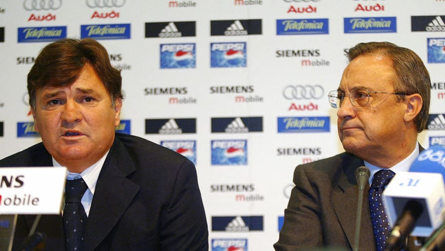 MADRID, SPAIN:  Real Madrid's former coach, Jose Antonio Camacho (L) speaks next to president Florention Perez at a press conference in Madrid, 20 September 2004. Perez accepted Camacho's resignation following a poor start by Real Madrid in their league and Champions League campaigns. AFP PHOTO/ Jose CARO  (Photo credit should read JOSE CARO/AFP/Getty Images)