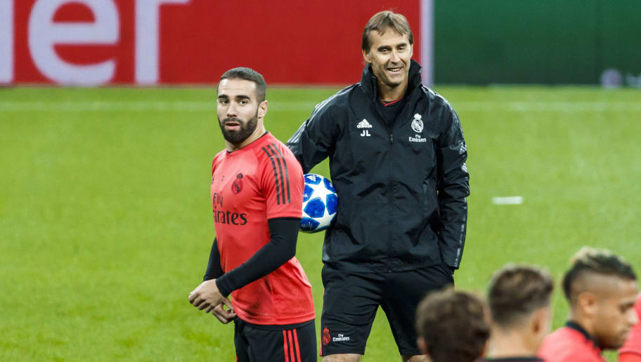 MOSCOW, RUSSIA - OCTOBER 01: Head coach Julen Lopetegui of Real Madrid and Dani Carvajal of Real Madrid attends training session ahead of the UEFA Champions League Group G match against CSKA Moscow at the Luzhniki Stadium in Moscow, Russia on October 01, 2018. (Photo by TF-Images/TF-Images via Getty Images)