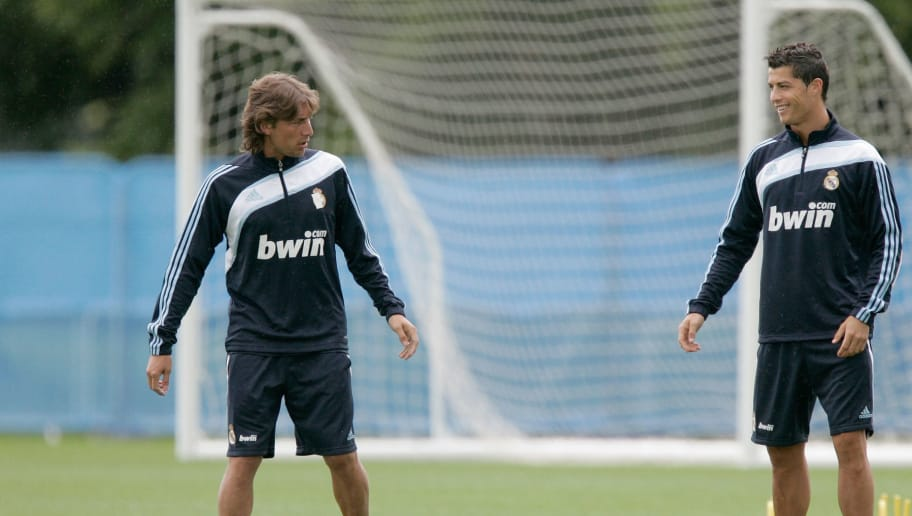 KILDARE, IRELAND - JULY 14:  Gabriel Heinze and Cristiano Ronaldo of Real Madrid attend the Real Madrid pre-season training camp at Carton House Hotel  on July 14, 2009 in Kildare, Ireland. (Photo by Patrick Bolger/Getty Images)