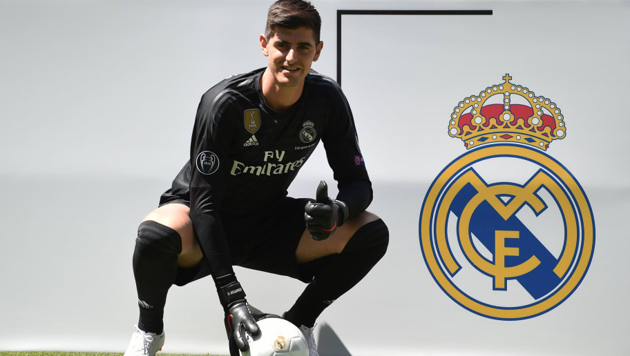 MADRID, SPAIN - AUGUST 09:  New signing Thibaut Courtois of Real Madrid is presented to fans after he signed a six-year-deal with Real Madrid at Estadio Santiago Bernabeu on August 9, 2018 in Madrid, Spain. (Photo by Denis Doyle/Getty Images)