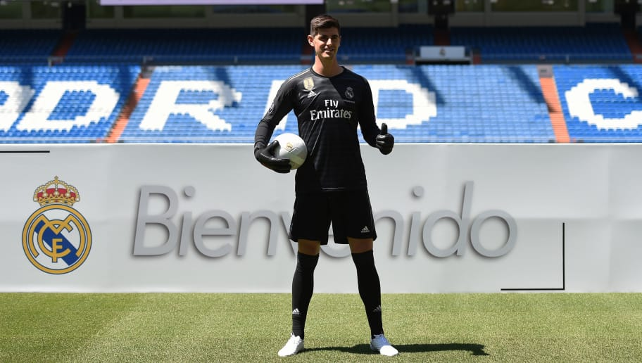 MADRID, SPAIN - AUGUST 09:  Thibaut Courtois is presented to fans after he signied a six-year-deal with Real Madrid at Estadio Santiago Bernabeu on August 9, 2018 in Madrid, Spain. (Photo by Denis Doyle/Getty Images)