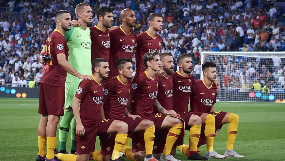 MADRID, SPAIN - SEPTEMBER 19:  Players of AS Roma line up for a team photo prior to the Group G match of the UEFA Champions League between Real Madrid  and AS Roma at Bernabeu on September 19, 2018 in Madrid, Spain.  (Photo by Quality Sport Images/Getty Images)