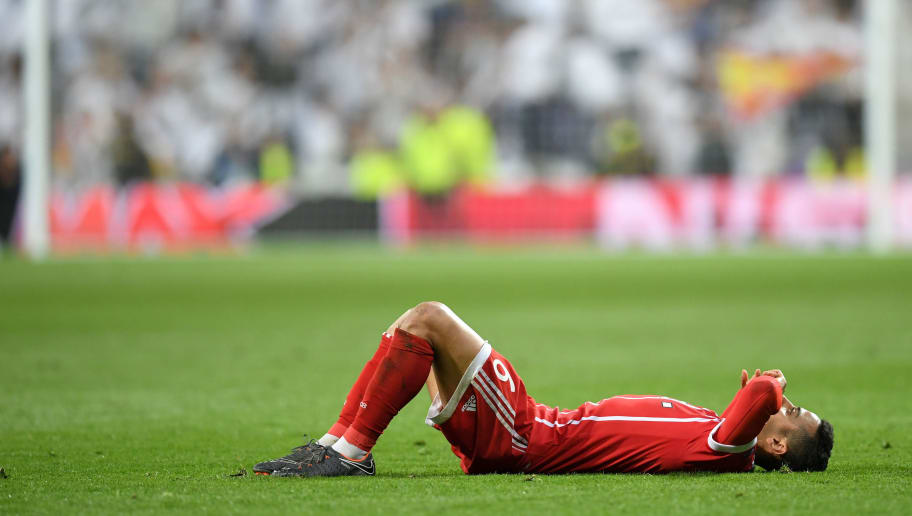 MADRID, SPAIN - MAY 01: Thiago Alcantara of Bayern Muenchen reacts after the UEFA Champions League Semi Final Second Leg match between Real Madrid and Bayern Muenchen at the Bernabeu on May 1, 2018 in Madrid, Spain.  (Photo by Matthias Hangst/Bongarts/Getty Images)