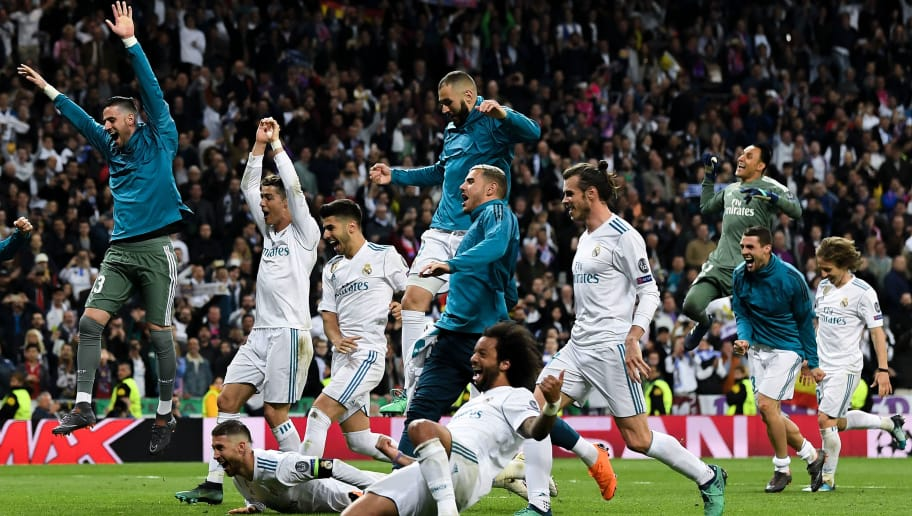 MADRID, SPAIN - MAY 01:  Real madrid players celebrate as they reach the final after the UEFA Champions League Semi Final Second Leg match between Real Madrid and Bayern Muenchen at the Bernabeu on May 1, 2018 in Madrid, Spain.  (Photo by David Ramos/Getty Images)