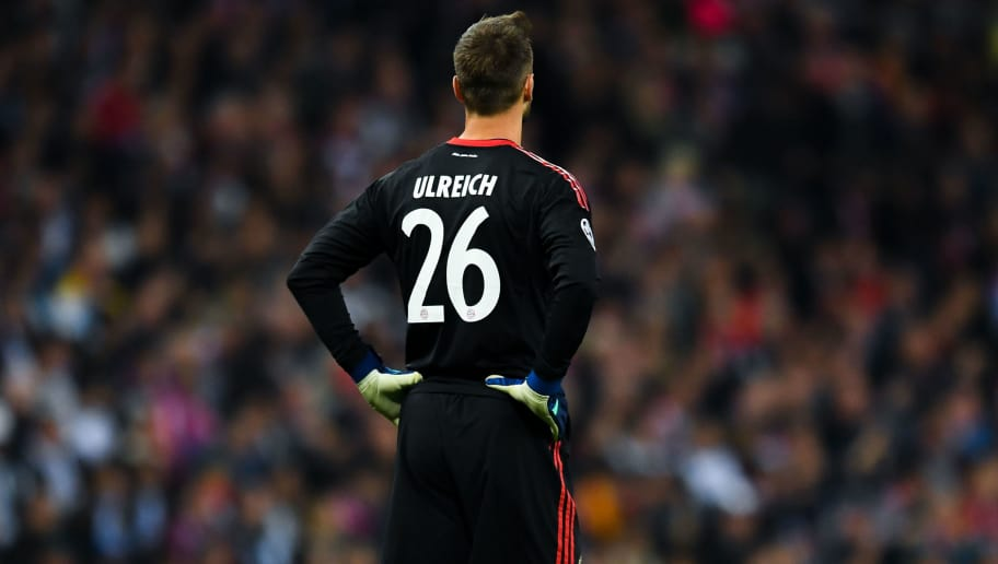 MADRID, SPAIN - MAY 01:  Sven Ulreich of FC Bayern Muenchen looks on during the UEFA Champions League Semi Final Second Leg match between Real Madrid and Bayern Muenchen at the Bernabeu on May 1, 2018 in Madrid, Spain.  (Photo by David Ramos/Getty Images)
