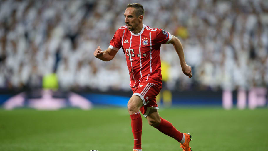 MADRID, SPAIN - MAY 01: Franck Ribery of FC Bayern Muenchen controls the ball during the UEFA Champions League Semi Final Second Leg match between Real Madrid and Bayern Muenchen at the Bernabeu on May 1, 2018 in Madrid, Spain. (Photo by Matthias Hangst/Bongarts/Getty Images)