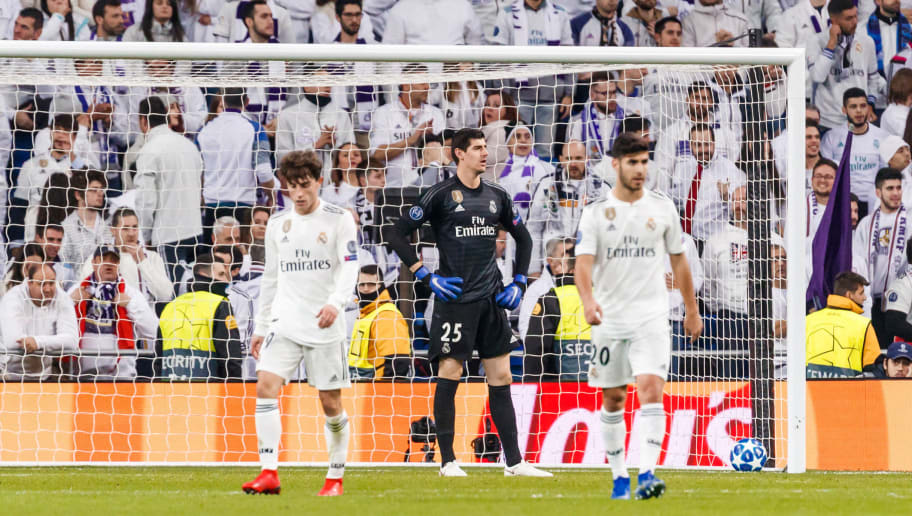 MADRID, SPAIN - DECEMBER 12: Thibaut Courtois of Real Madrid looks dejected during the UEFA Champions League Group G match between Real Madrid and CSKA Moscow at Bernabeu on December 12, 2018 in Madrid, Spain. (Photo by TF-Images/TF-Images via Getty Images)
