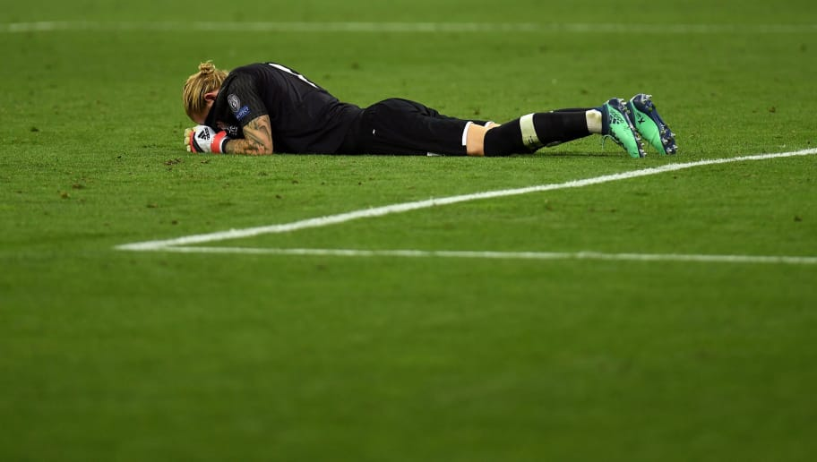 KIEV, UKRAINE - MAY 26:  Loris Karius of Liverpool looks dejected in defeat after the UEFA Champions League Final between Real Madrid and Liverpool at NSC Olimpiyskiy Stadium on May 26, 2018 in Kiev, Ukraine.  (Photo by David Ramos/Getty Images)