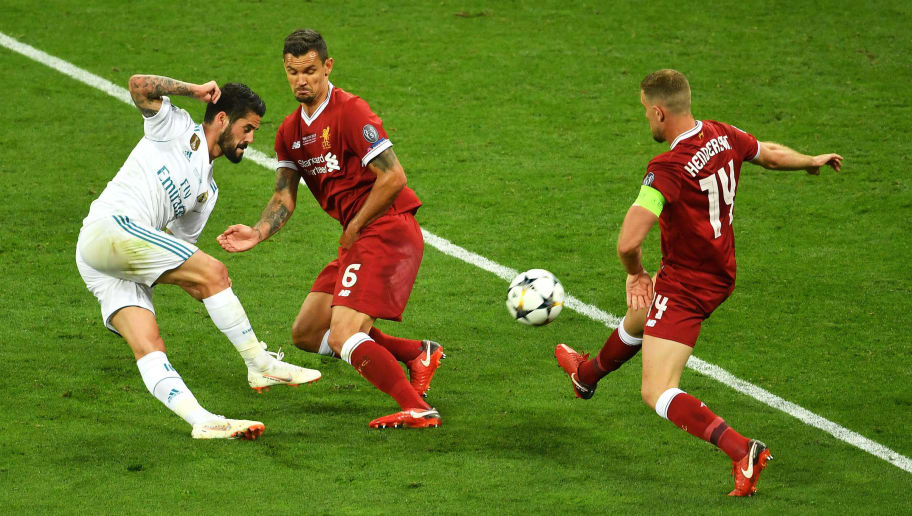 KIEV, UKRAINE - MAY 26:  Isco of Real Madrid shoots past Dejan Lovren and Jordan Henderson of Liverpool and misses during the UEFA Champions League Final between Real Madrid and Liverpool at NSC Olimpiyskiy Stadium on May 26, 2018 in Kiev, Ukraine.  (Photo by Mike Hewitt/Getty Images)