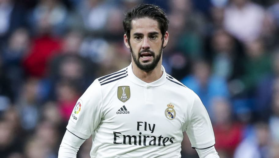 MADRID, SPAIN - NOVEMBER 3: Isco of Real Madrid during the La Liga Santander  match between Real Madrid v Real Valladolid at the Santiago Bernabeu on November 3, 2018 in Madrid Spain (Photo by David S. Bustamante/Soccrates/Getty Images)