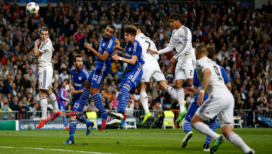 MADRID, SPAIN - MARCH 10:  Cristiano Ronaldo (4.L) of Real Madrid scores his team's first goal with a header during the UEFA Champions League Round of 16 second leg match between Real Madrid CF and FC Schalke 04 at Estadio Santiago Bernabeu on March 10, 2015 in Madrid, Spain.  (Photo by Boris Streubel/Getty Images)