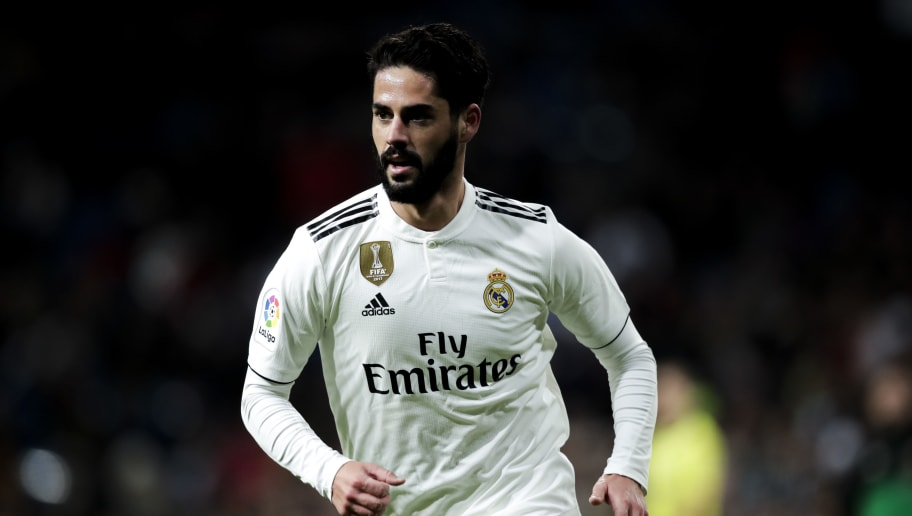 MADRID, SPAIN - DECEMBER 1: Isco of Real Madrid during the La Liga Santander  match between Real Madrid v Valencia at the Santiago Bernabeu on December 1, 2018 in Madrid Spain (Photo by David S. Bustamante/Soccrates/Getty Images)