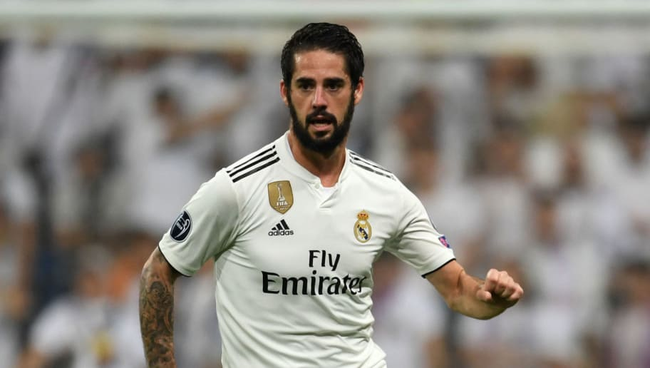 MADRID, SPAIN - OCTOBER 23:  Isco of Real Madrid in action during the Group G match of the UEFA Champions League between Real Madrid  and Viktoria Plzen at Bernabeu on October 23, 2018 in Madrid, Spain.  (Photo by Etsuo Hara/Getty Images)