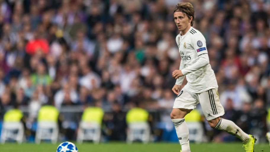 MADRID, SPAIN - OCTOBER 23: Luka Modric of Real Madrid controls the ball during the UEFA Champions League Group G match between Real Madrid and Viktoria Plzen at Bernabeu on October 23, 2018 in Madrid, Spain. (Photo by TF-Images/Getty Images)