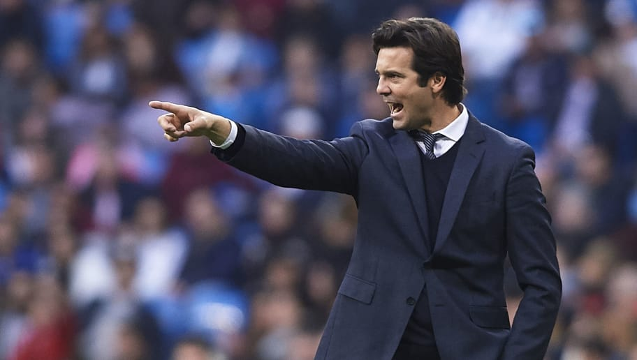 MADRID, SPAIN - DECEMBER 06: Santiago Solari, Manager of Real Madrid gives instructions during the Spanish Copa del Rey second leg match between Real Madrid and UD Melilla at Santiago Bernabeu on December 06, 2018 in Madrid, Spain. (Photo by Quality Sport Images/Getty Images)