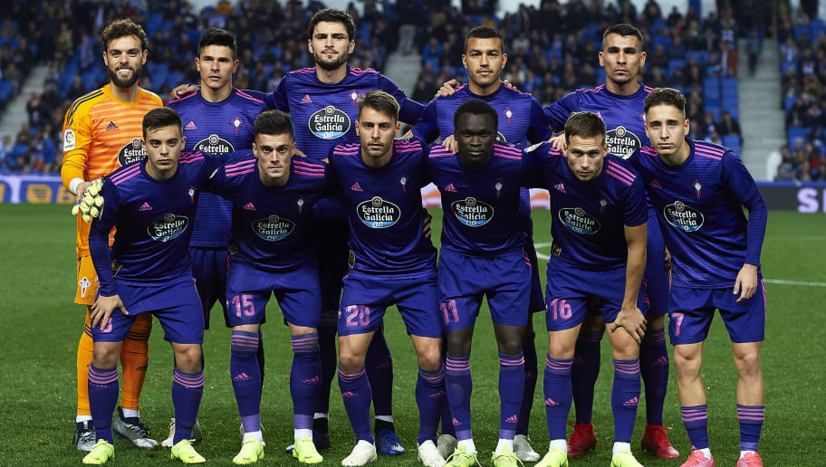 SAN SEBASTIAN, SPAIN - DECEMBER 05: RC Celta de Vigo line up for a team photo prior to the Copa del Rey fourth round second leg match between Real Sociedad de Futbol and RC Celta de Vigo at Estadio Anoeta on December 05, 2018 in San Sebastian, Spain. (Photo by Juan Manuel Serrano Arce/Getty Images)