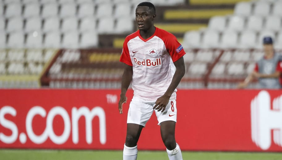 BELGRADE, SERBIA - AUGUST 21: Diadie Samassekou of Red Bull Salzburg in action during the UEFA Champions League Play Off First Leg match between FK Crvema Zvezda and FC Red Bull Salzburg at Rajko Mitic Stadium on August 21, 2018 in Belgrade, Serbia. (Photo by Srdjan Stevanovic/Getty Images)