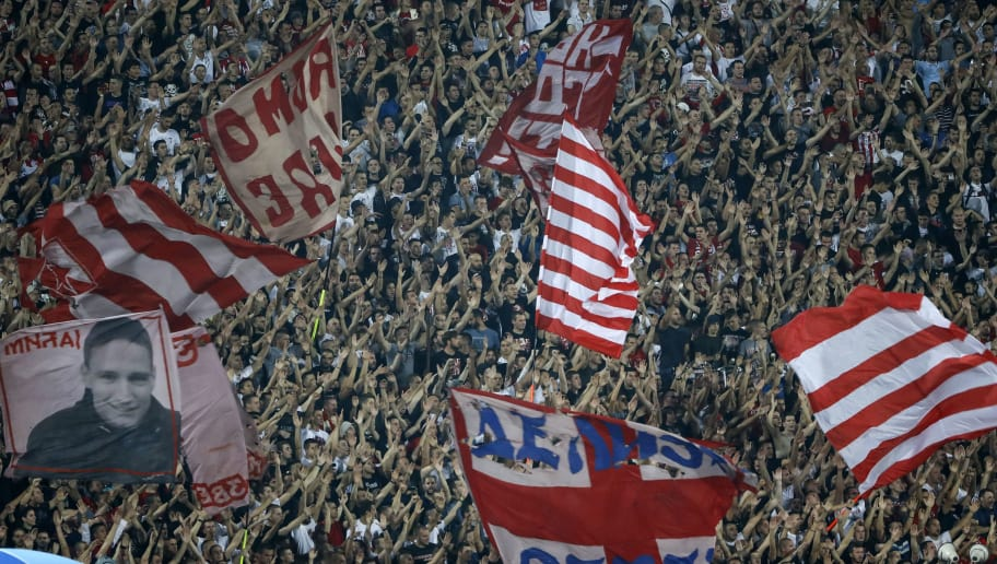 BELGRADE, SERBIA - SEPTEMBER 18: Crvena Zvezda fans give their support prior to the Group C match of the UEFA Champions League between Crvena Zvezda Belgrade and SSC Napoli at Rajko Mitic Stadium on September 18, 2018 in Belgrade, Serbia. (Photo by Srdjan Stevanovic/Getty Images)