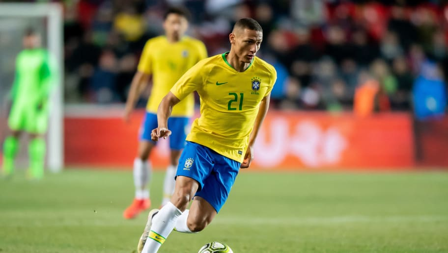 Silva laughs at reports linking Richarlison to Reds