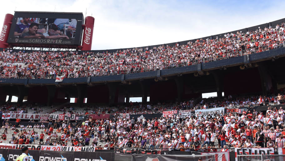 BUENOS AIRES, ARGENTINA - OCTOBER 27: The fans of River Plate cheer during a match between River Plate and Aldosivi as part of Superliga 2018/19 at Estadio Monumental Antonio Vespucio Liberti on October 27, 2018 in Buenos Aires, Argentina. (Photo by Diego Haliasz/Getty Images)